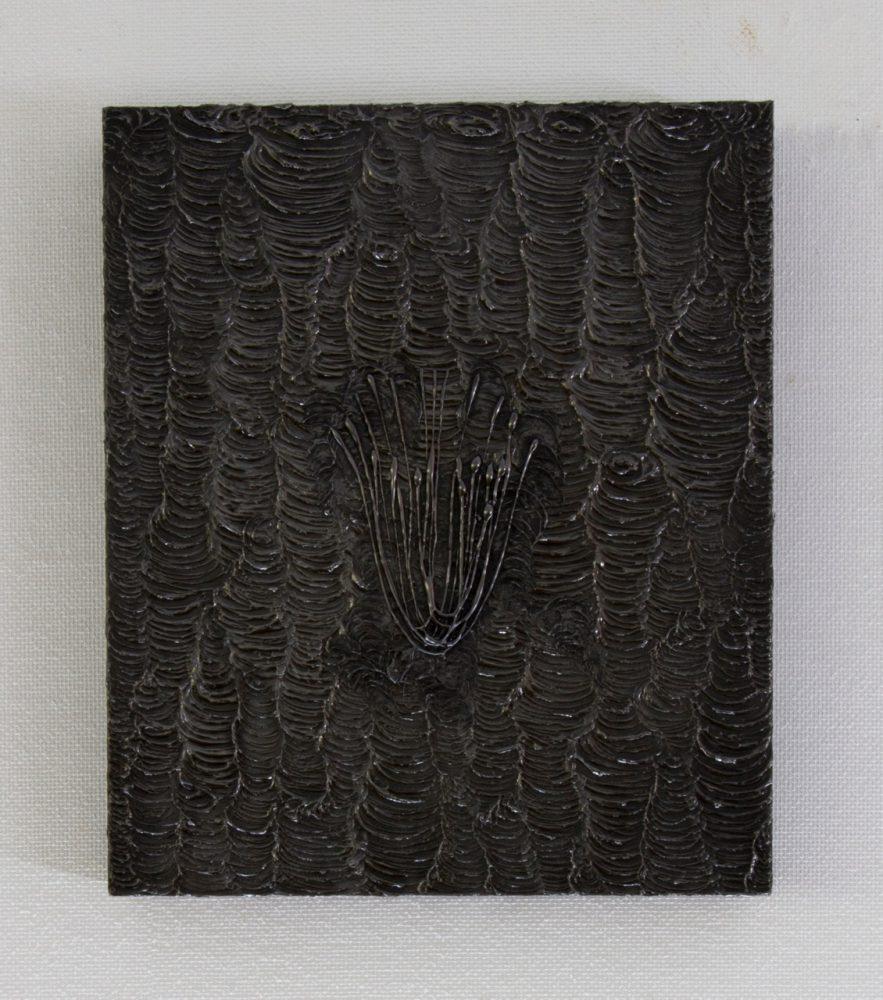 untitled 15K2 / 2015 / h31, w26, d4.5cm / glue, graphite, wooden panel