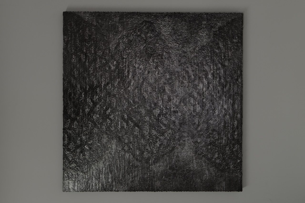 exchange of surface GOoP#2 / 2014 / h91, w91, d3cm / wooden panel, glue, graphite