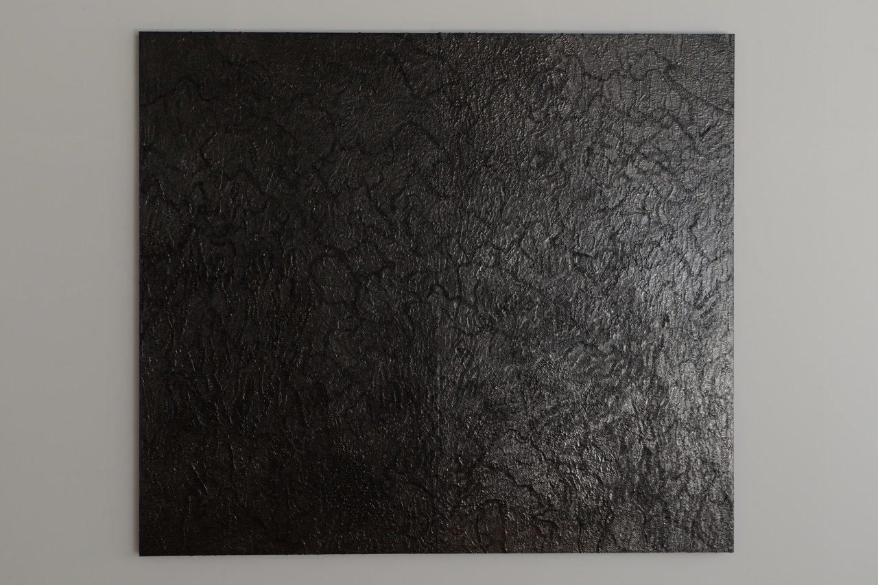 exchange of surface GOoP#1 / 2014 / h160, w182, d3cm / wooden panel, glue, graphite